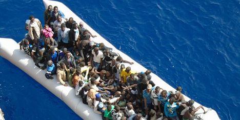 900 migranti a cagliari saranno distribuiti nell isola for Isola arreda cagliari