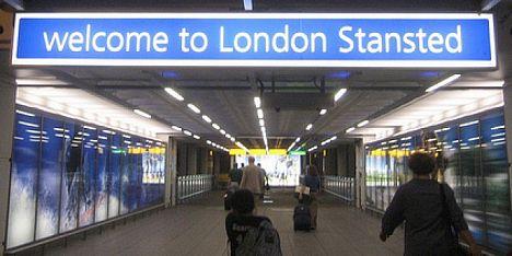Londra-Alghero cancellato: proteste
