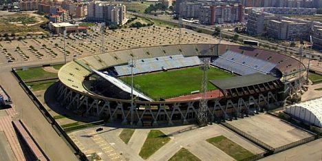 CalcioLive: Cagliari-Pescara in campo