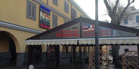 Porto Torres, ladro nella notte. Furto in Pizzeria Piazza Garibaldi