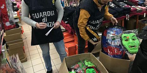 900 articoli sequestrati nel Cagliaritano
