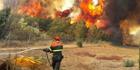 Grosso incendio ad Isili