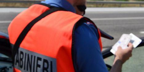 Guida sotto effetti dell´alcol: 40enne denunciato