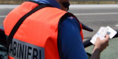 Guida senza patente: 25enne denunciato