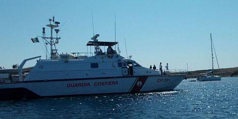 Asinara, barca a Cala Arena: denunciato comandante
