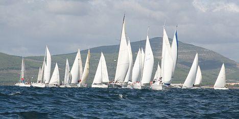 Alghero, tra vela e solidarietà