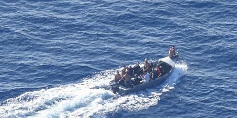 14 clandestini intercettati a Capo Teulada