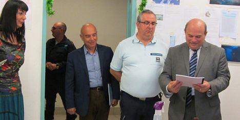 Detenuti donano al sindaco un quadro di San Nicola