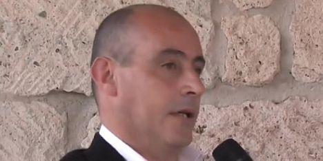 Petizione contro il sindaco di Monteleone