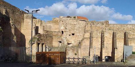 Via le infestanti dal Forte di Alghero