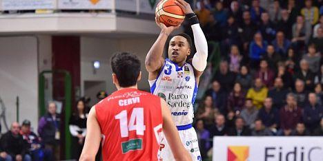 Basket: la Dinamo mette la quinta