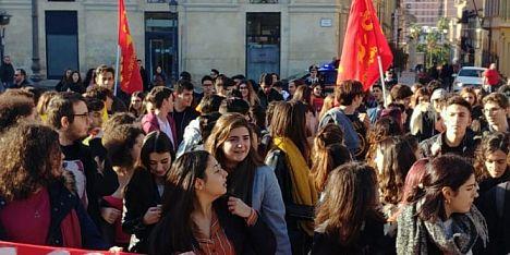 Studenti in 50 piazze contro la nuova maturità