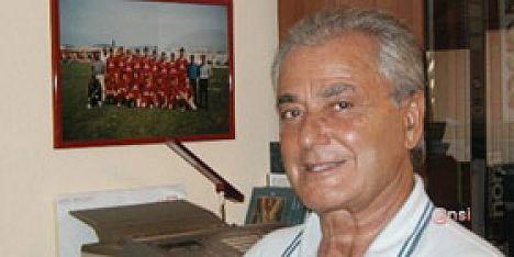 Calcio fertilia roberto ferroni presenta la nuova squadra for Ferroni sassari