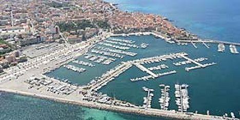 Pulizie nel porto: Consorzio in azione