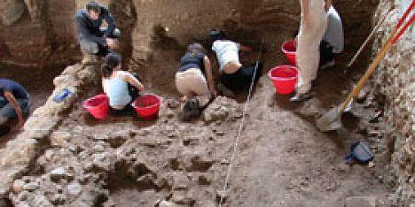 Tombaroli nella notte a Mont´e Prama: indagini in corso